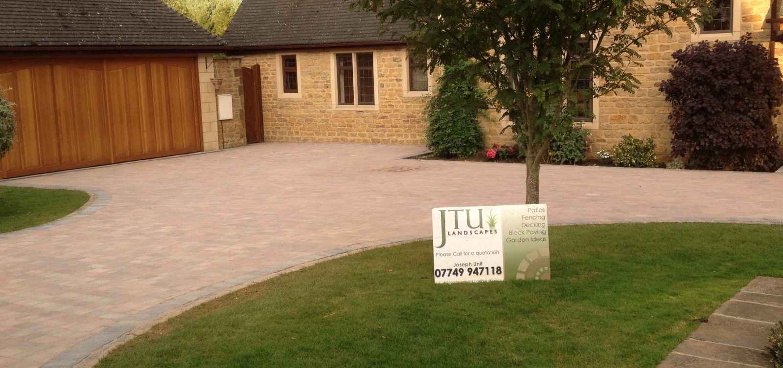 bespoke driveway and front garden landscaping from JTU serving the Daventry, Northamptonshire, and Warwickshire areas